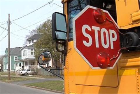 SchoolBus_StopPaddle_NewYork_102414