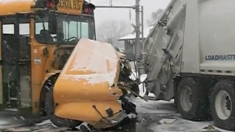 Collision_SchoolBus_GarbageTruck_Illinois_012615