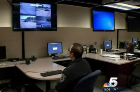 PoliceViewSchoolBusVideo_Dallas_Texas_042915