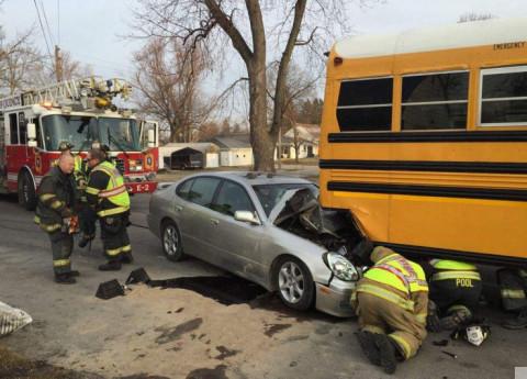 Crash_CarAndSchoolBus_Quincy_Illinois_022316