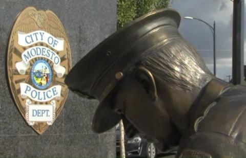 PoliceSign_Statue_Modesto_California_052516